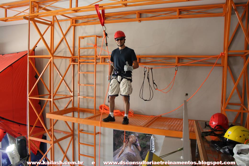 rapel-altura-equipamentos-cinturao-cadeirinha-talabarte-mosquetao-freio-oito-corda-cordim-bombeiro-curso0045