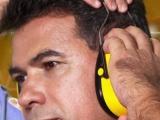 RUÍDO SOMADO À EXPOSIÇÃO A PRODUTOS QUÍMICOS PODE CAUSAR DANOS DEVASTADORES A AUDIÇÃO